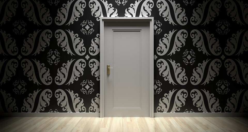 How to Pick a Perfect Bedroom Door