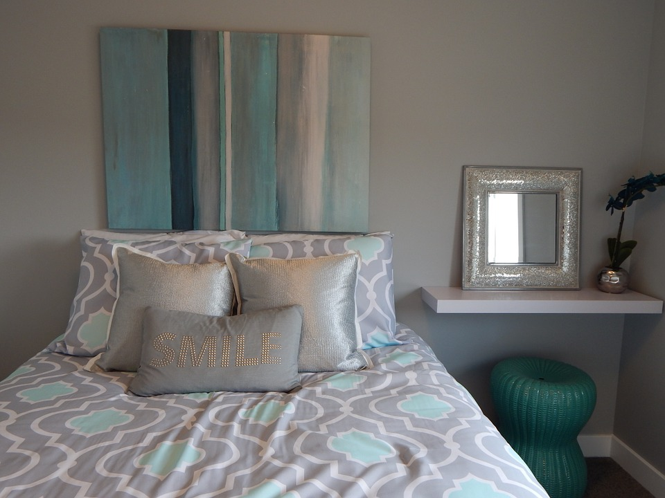Turquoise and Grey Silk Bedding