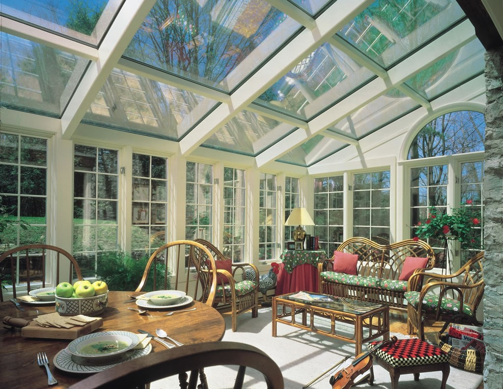 How Glass Design Can Give Your Home More Curb Appeal
