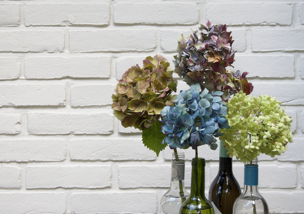 5 Wonderful Ways To Decorate Your Home With Flowers