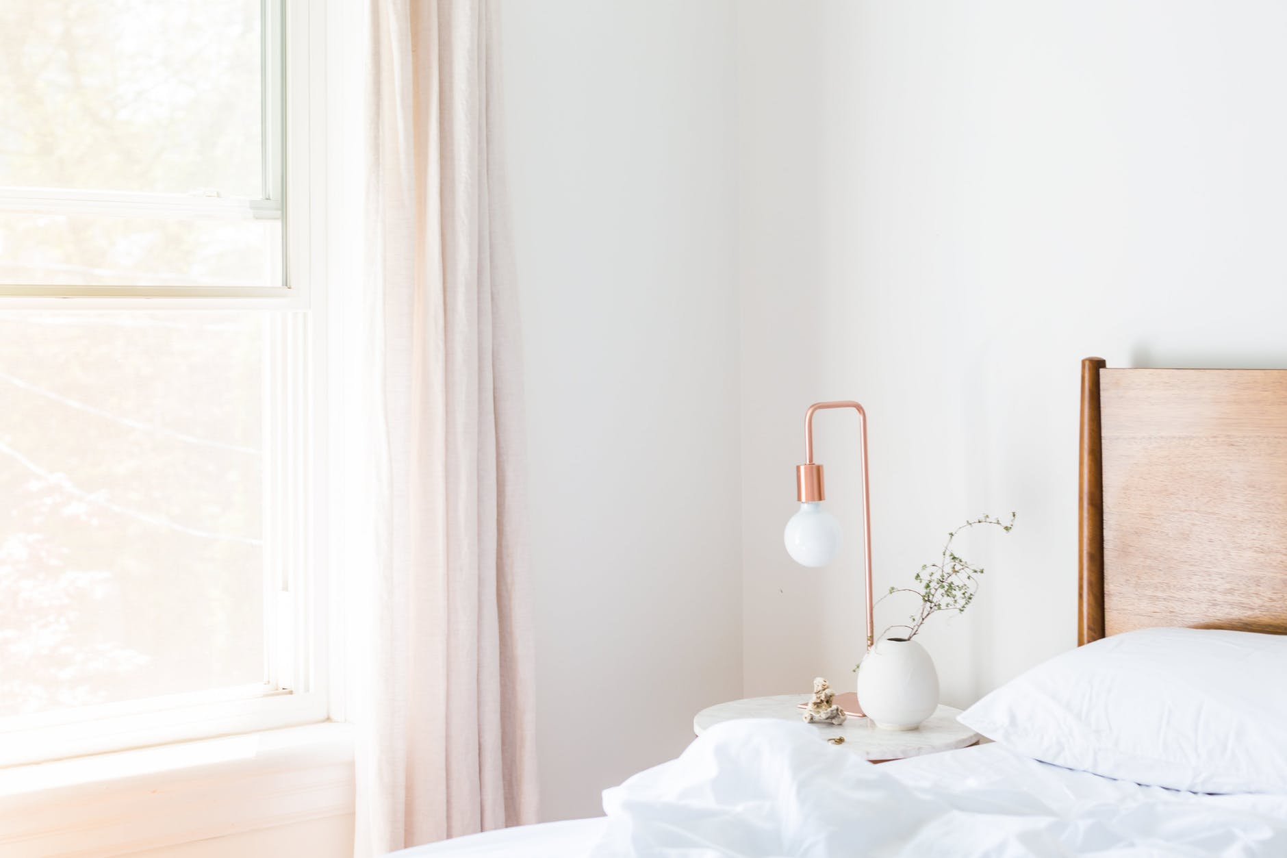 8 Design Tricks to Make A Small Bedroom Better
