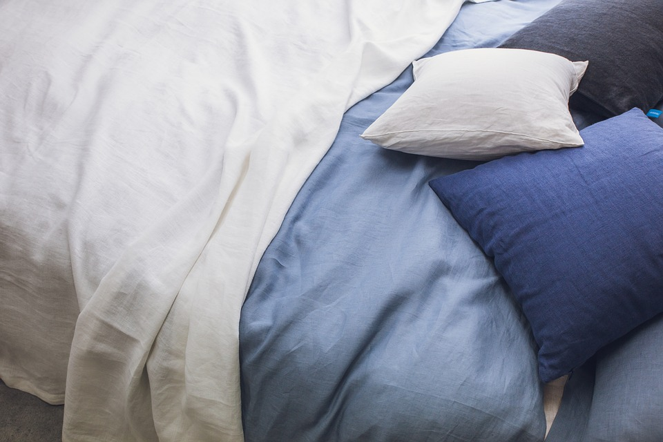 Duvet vs Comforter – Difference and Comparison You Need to Know