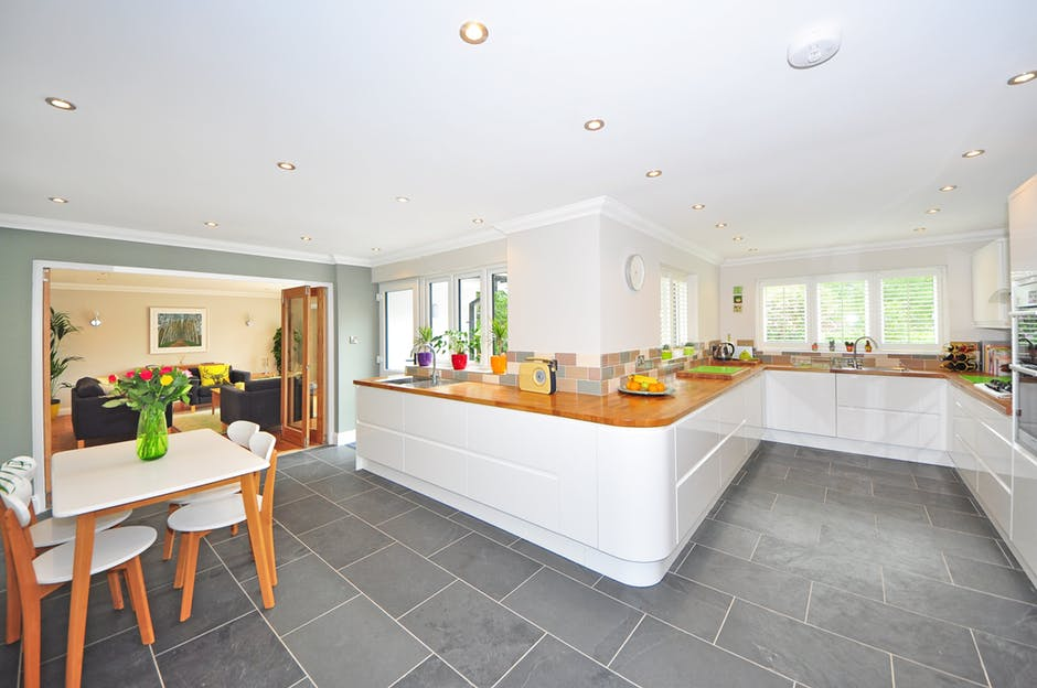Top Tiling Tips: How to Choose the Best Tiles for Kitchen Flooring