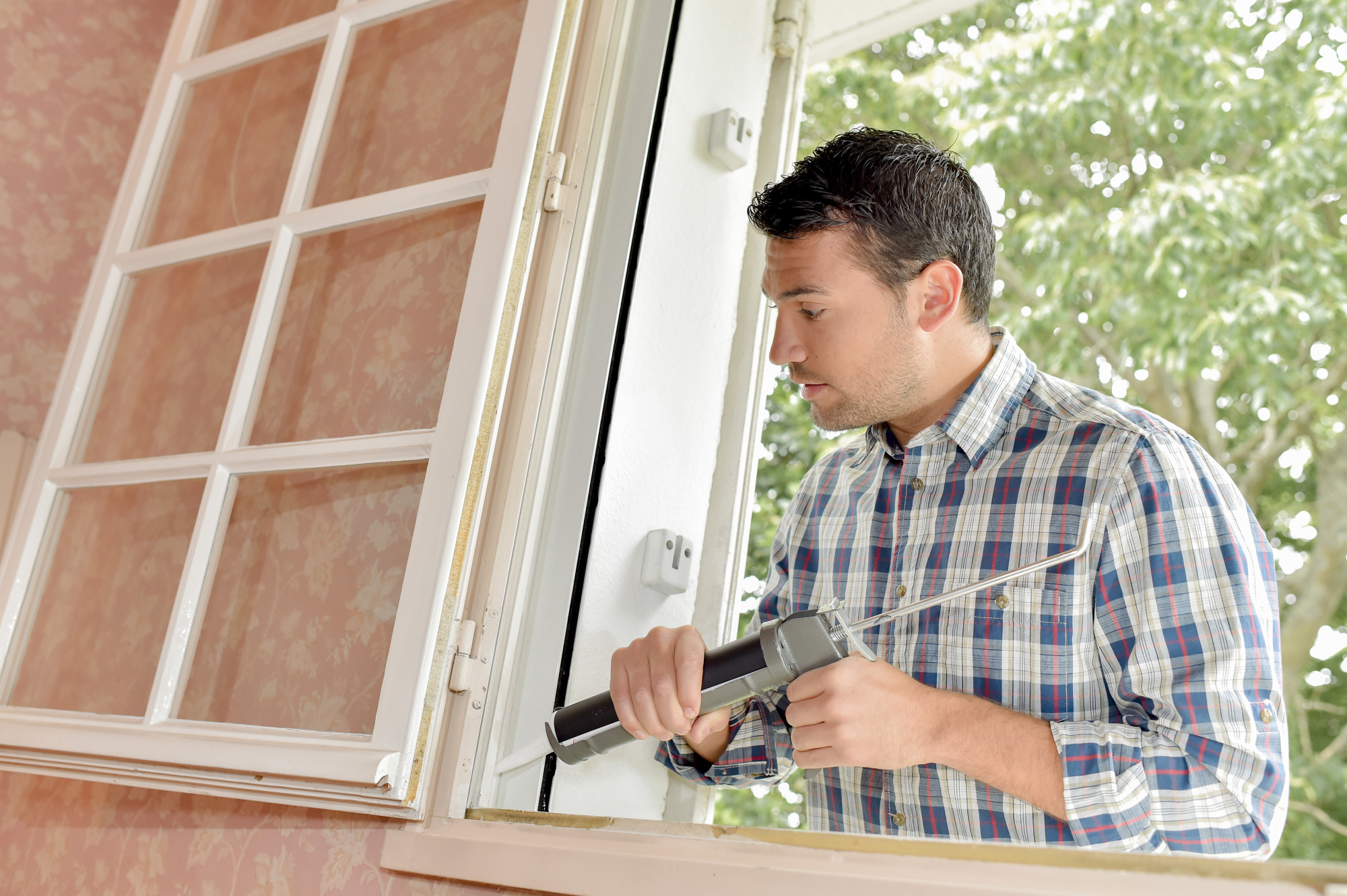 Save Energy, Stay Cool: 9 Reasons to Get Air Sealing For Your New Home