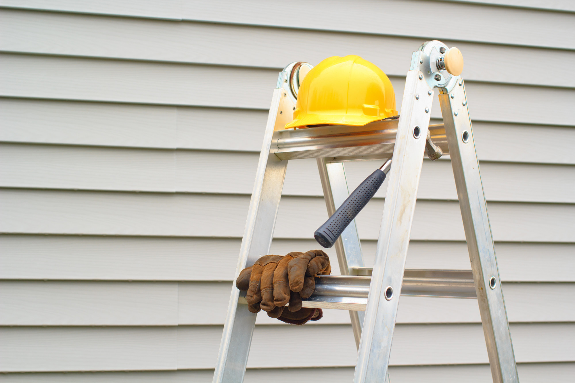 5 Key Questions to Ask Before Hiring a Siding Contractor