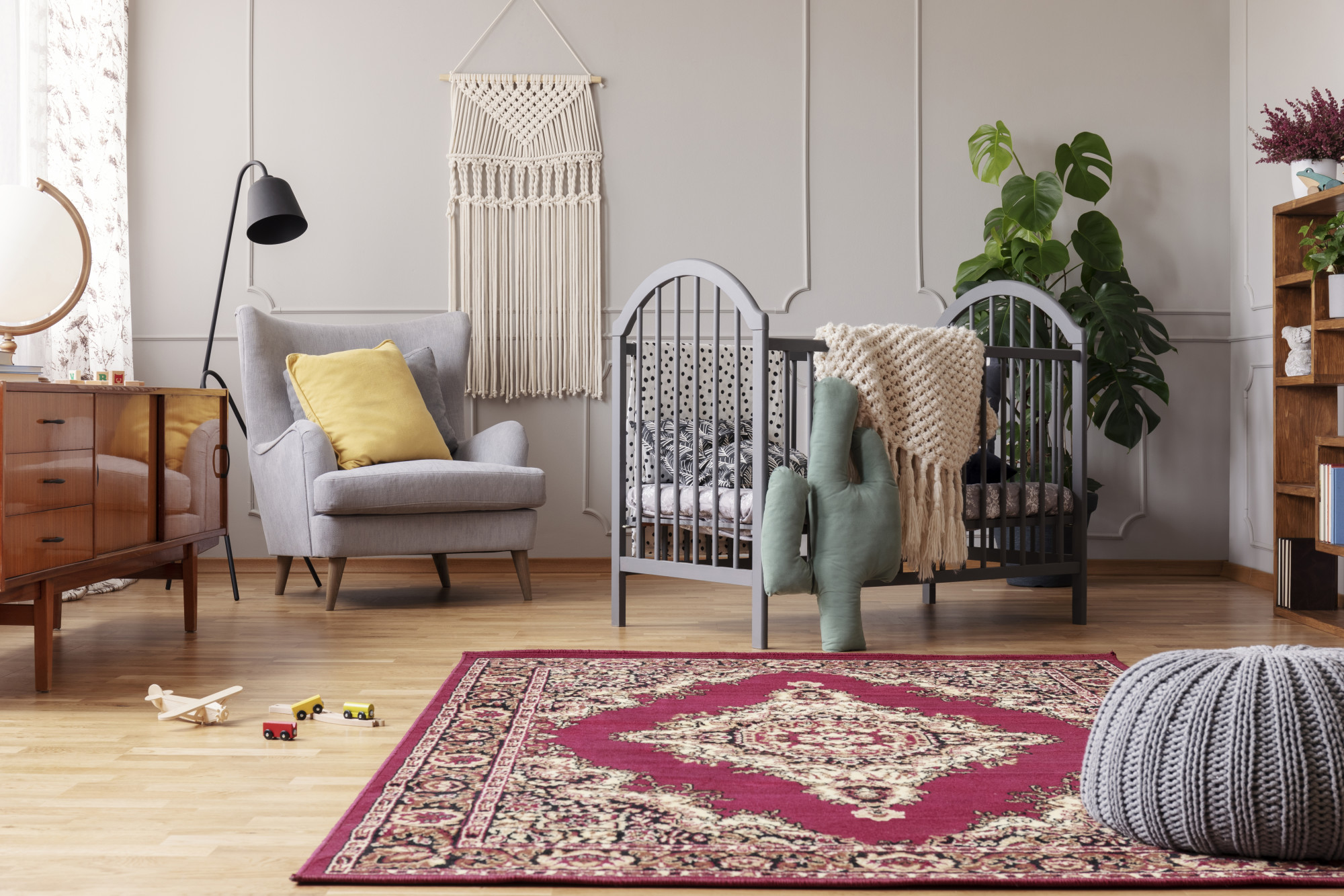 Spice Up Your Living Room: How to Decorate With a Persian Rug