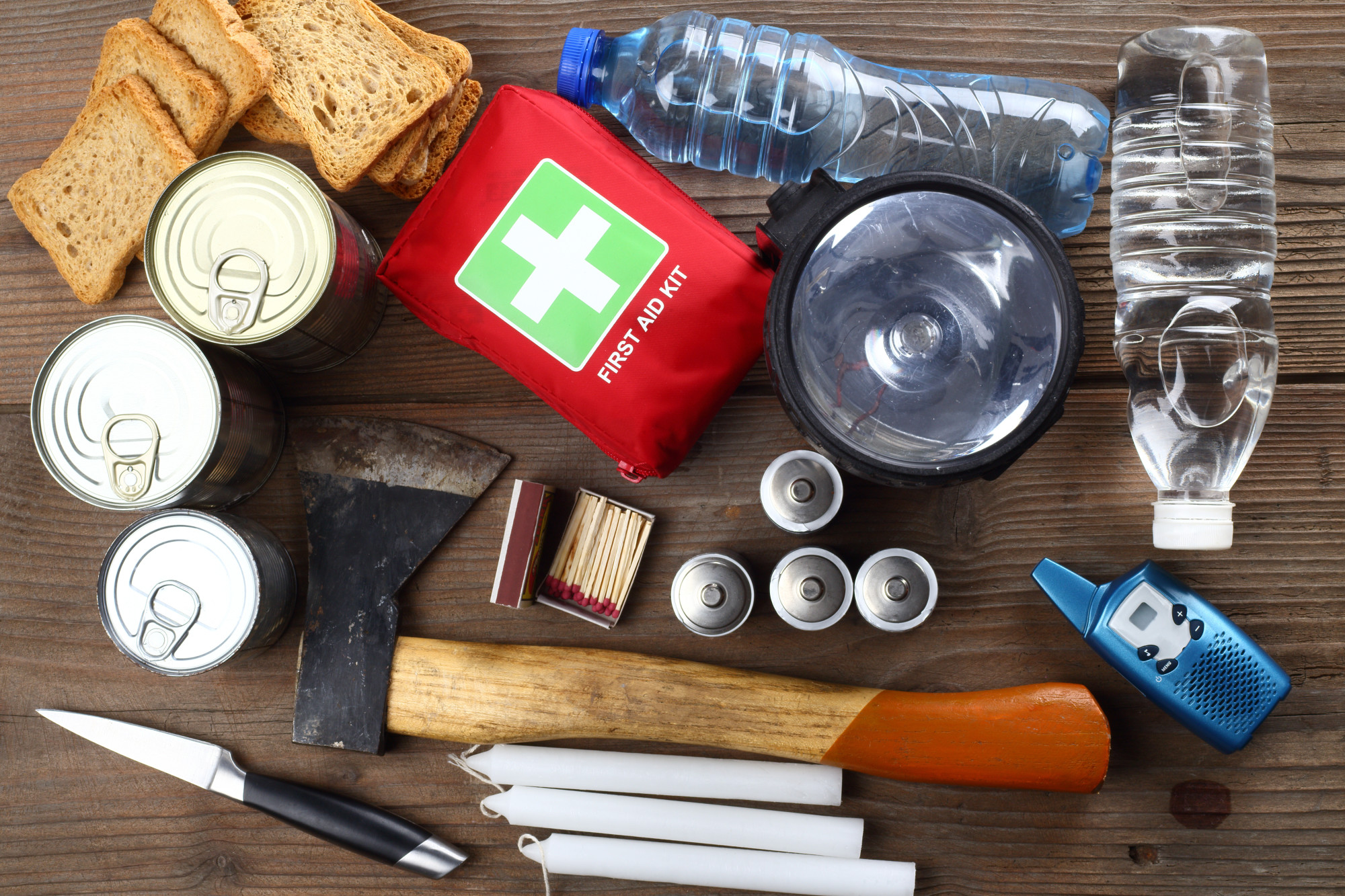 How to Build a DIY Emergency Kit for Your Home