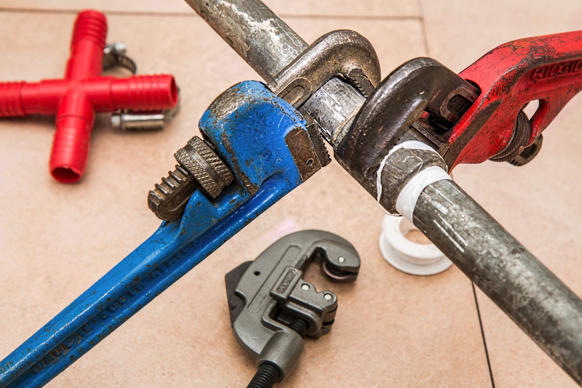 DIY Don't! 7 Signs You've Got a Major Plumbing Problem