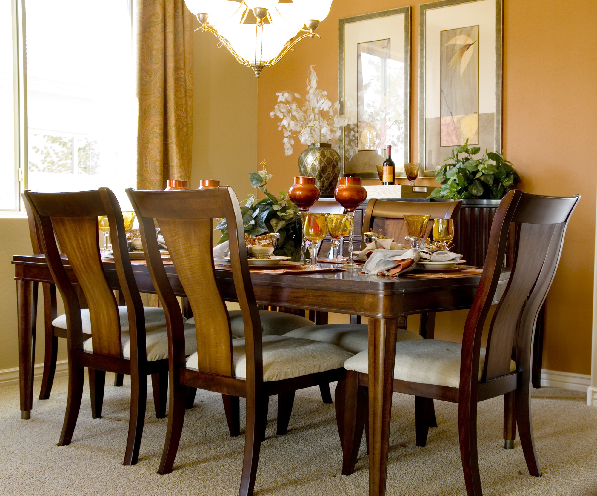 5 Dining Room Decoration Mistakes to Avoid for New Homeowners