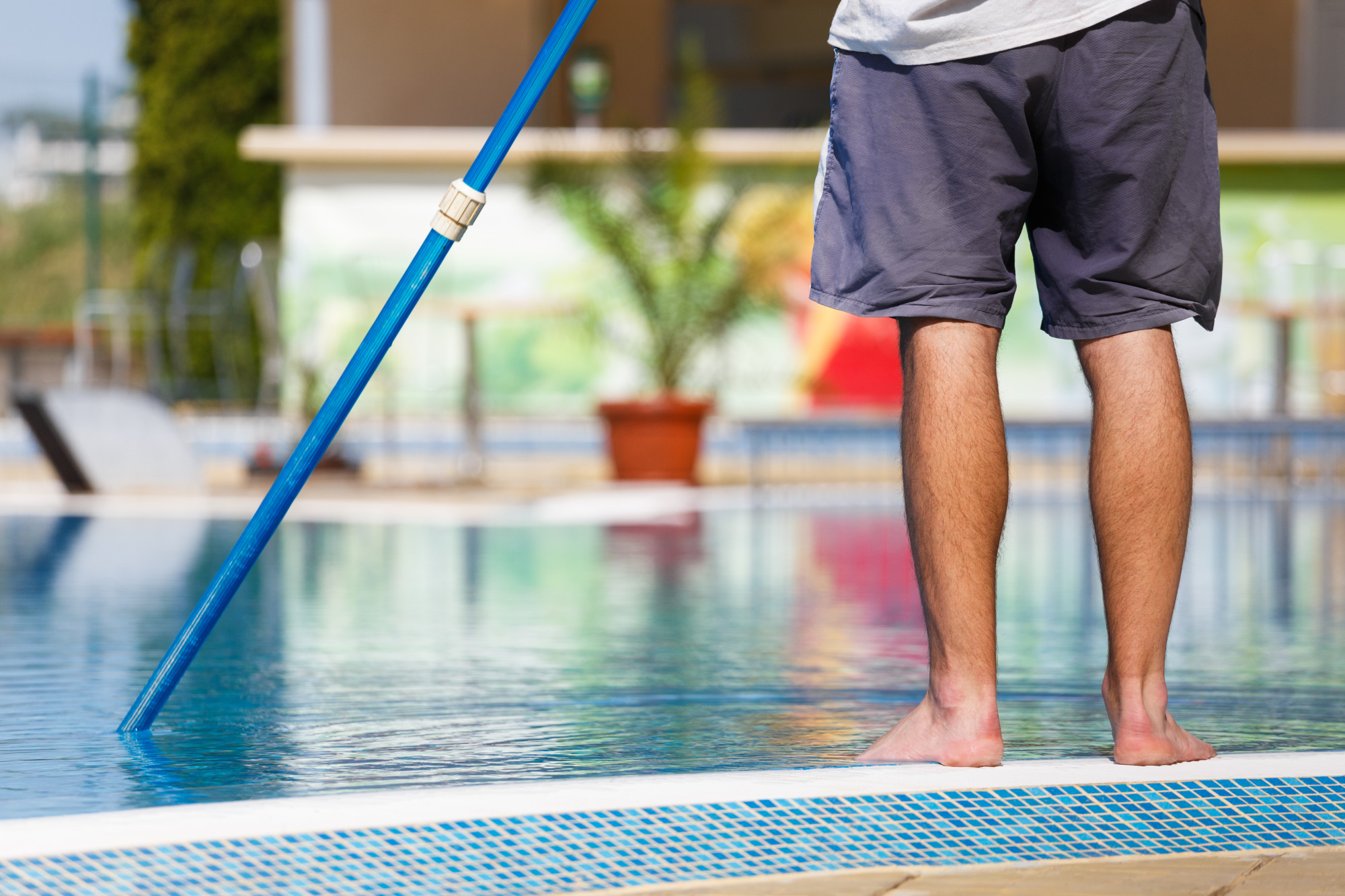 A Homeowner's Guide to Maintaining a Swimming Pool