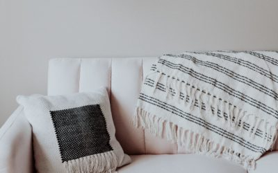 How To Choose A Throw Blanket For Living Room? Some Decorating Tips