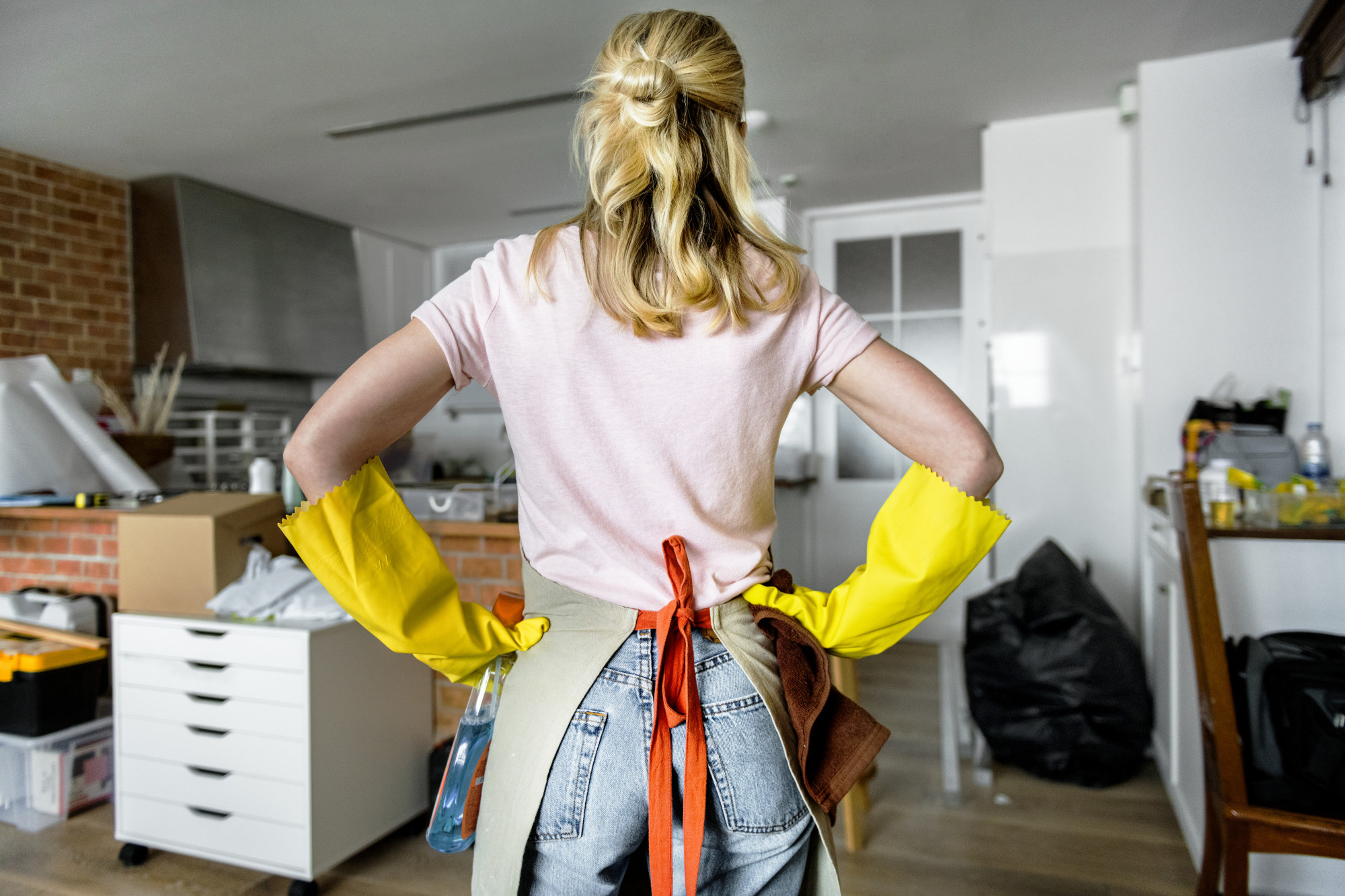 Creating a Home Cleaning Schedule That Works for Your Busy Life