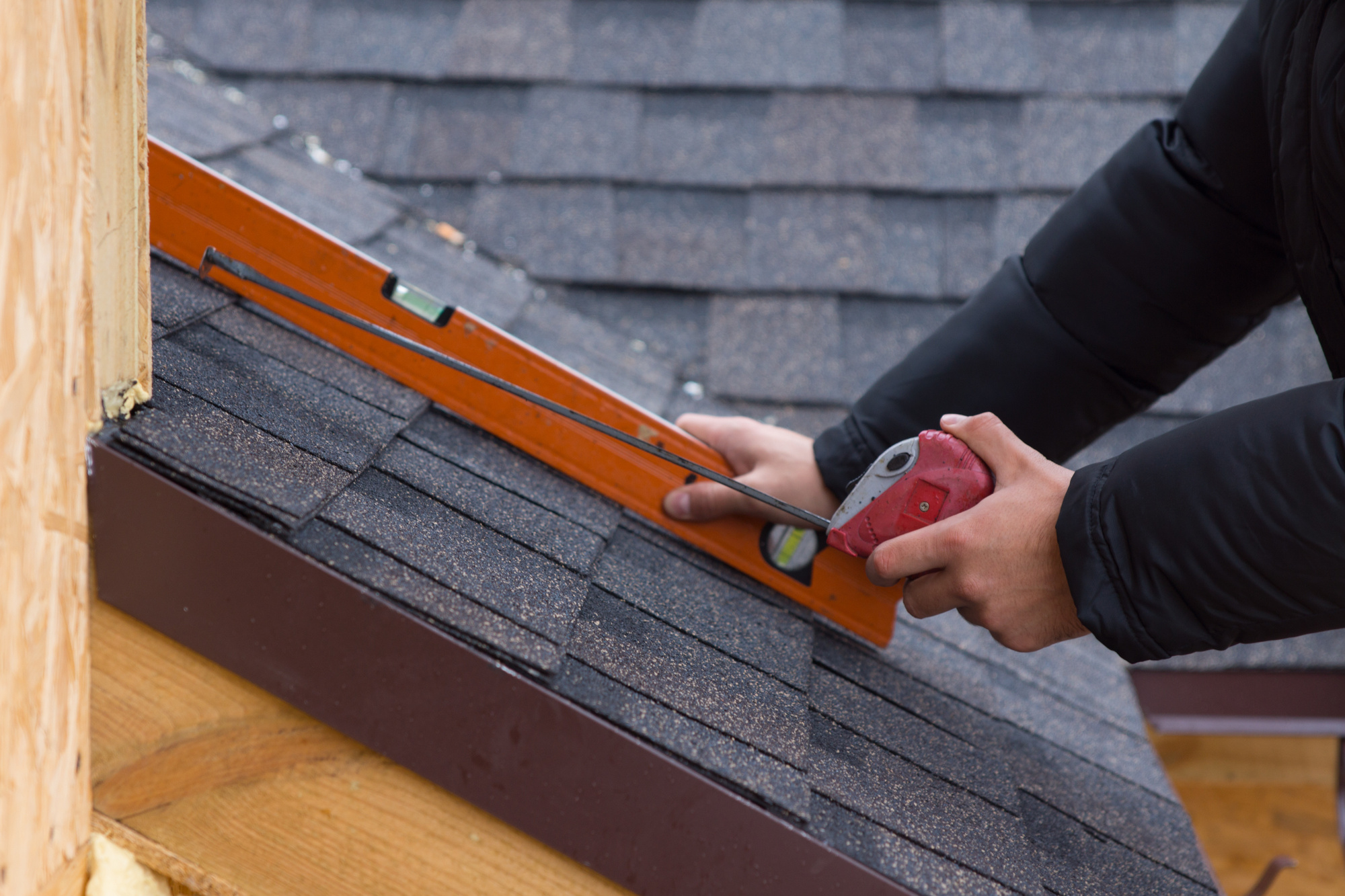 7 Warning Signs You Need a Roof ASAP!