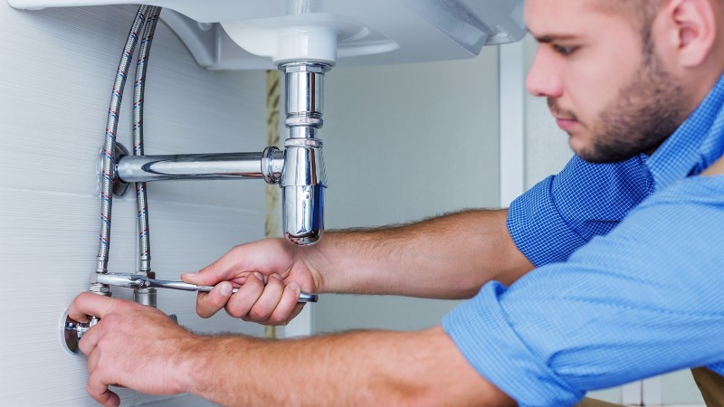 How to Hire a Plumber for Your Home: A Basic Guide